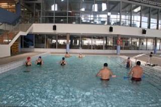 Munideporte actividades para discapacitados en for Piscina de alcobendas