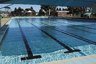 Munideporte apertura del complejo de piscinas deporte for Piscina fuenlabrada